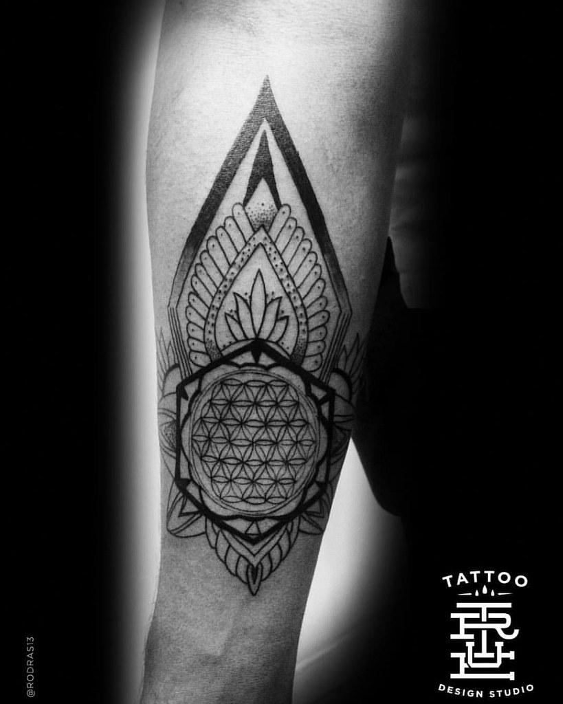 Flor De La Vida Mandala Flordelavida Tattoo Blackwor Flickr