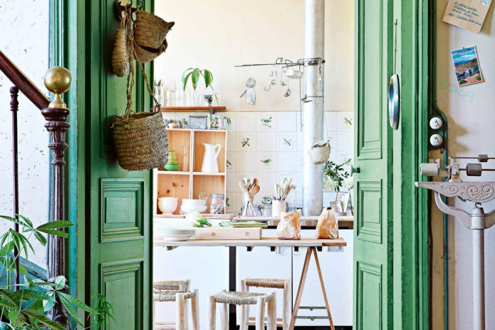 Stunning Green French Chataeu
