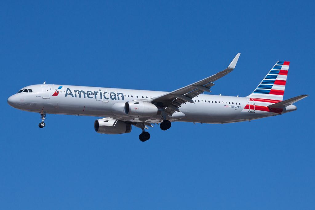 American Airlines Airbus A321 N992AU