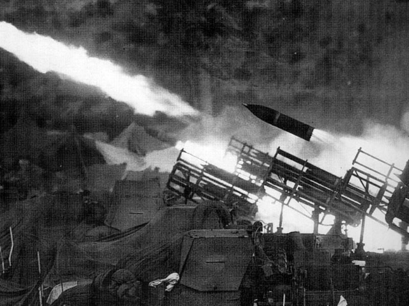 BM-24-fire-on-beirut-1982-ege-1