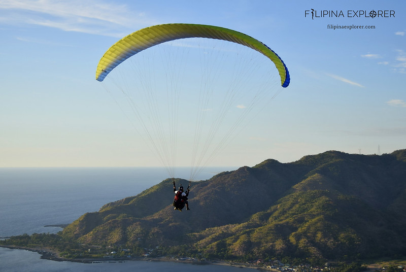 Tandem paragliding with a scenic view with NOAH