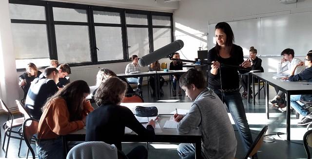 Enregistrement de l'émission de la Webradio de l'IFé « Le micro est dans la classe » lors d'un débat parlementaire au lycée Blaise Pascal
