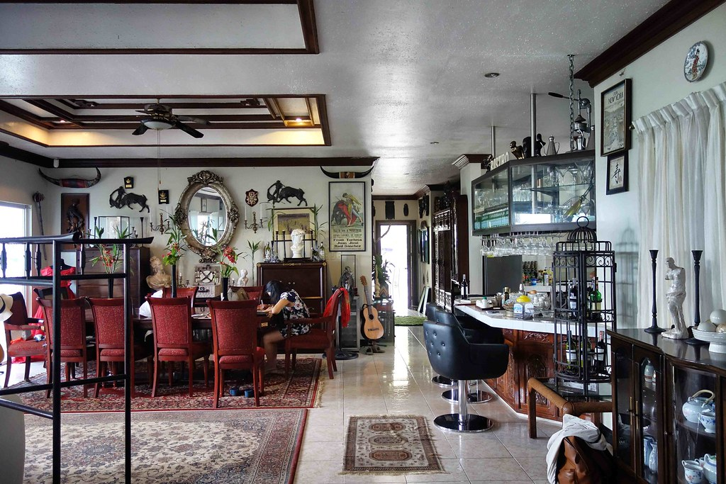 Dumaguete - The Wilsons' Shangri-la - Living Room