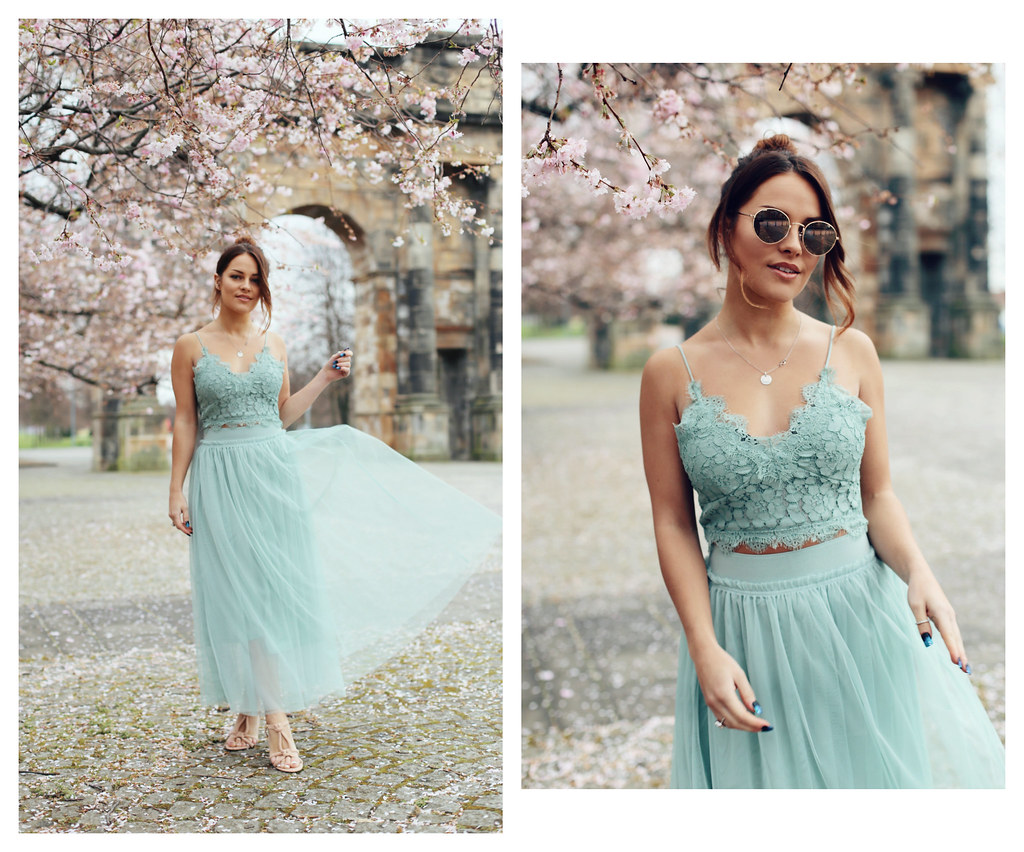 The Little Magpie H&M Green lace two piece