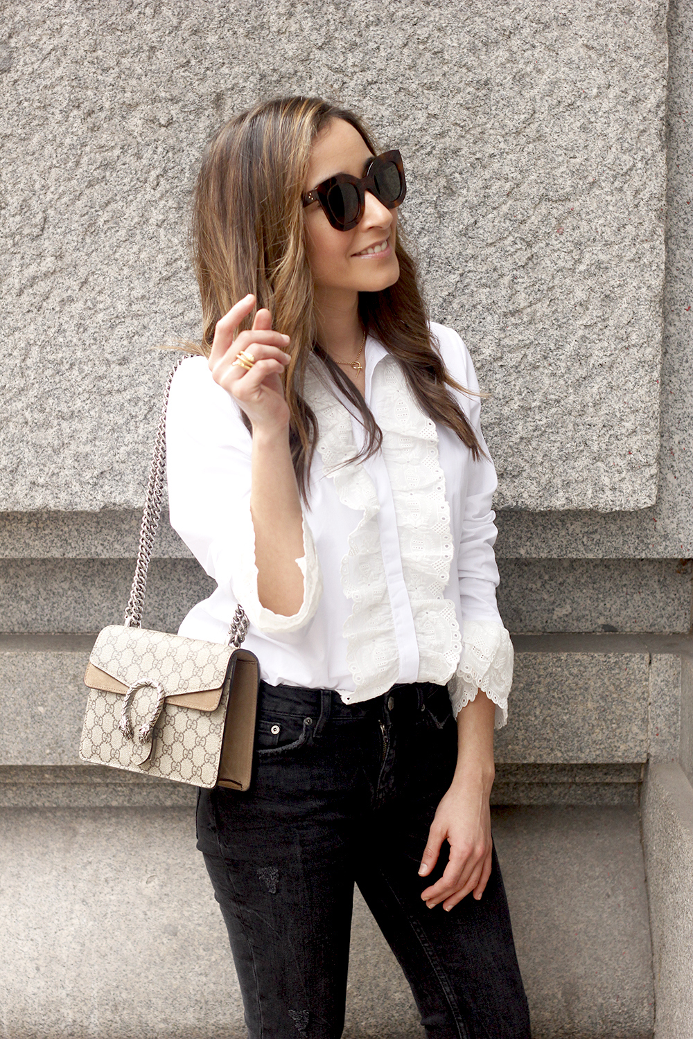 White ruffled shirt pink heels black jeans uterqüe gucci bag céline outfit style15