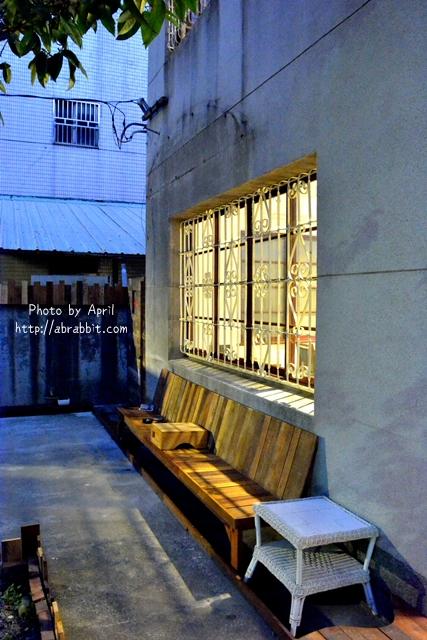 33203910036 2b79d1d327 o - [台中]時光--老屋系列 part11,近日新戲院、柳川水岸步道,老屋改造巷弄咖啡廳@中區 仁愛街