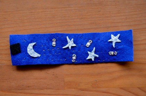 Completed Decorated Twinkly Felt Wristband with 4 LEDs
