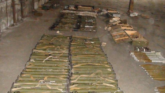 На Запоріжжі СБУ виявила великий арсенал зброї та боєприпасів