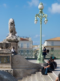 Lion, Lamp Post and Les Marches | by icomley