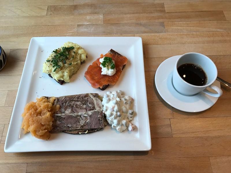 Icelandic dinner sheepshead jelly and mashed haddock