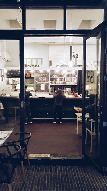 halfwhiteboy - lola cafe + bar 04
