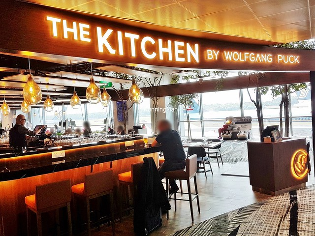 The Kitchen By Wolfgang Puck Signage