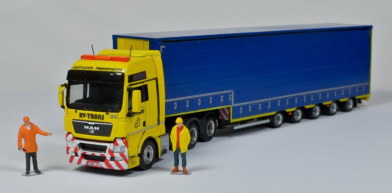 Camiones, transportes especiales y grúas de Darthrraul 33627811246_ff34187a7c_c