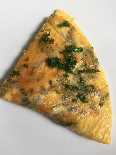 Omelette mit frischen Brennesseln