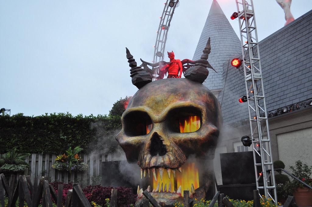 Busch Gardens Williamsburg Hours Howl O Scream Garden Ftempo
