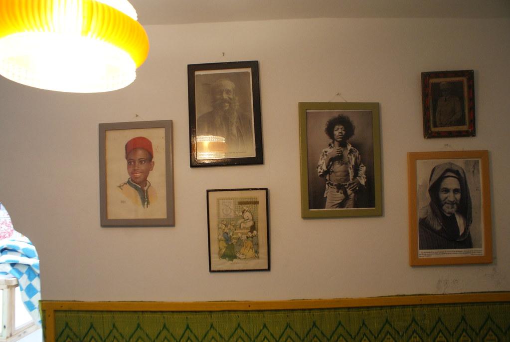 Jimi Hendrix entre autre sur le mur de l'auberge de jeunesse Green Milk à Essaouiara.