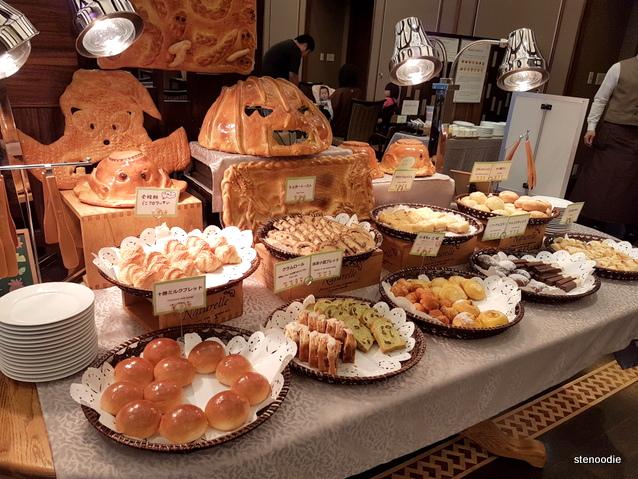 continental breakfast at Daiichi Hotel
