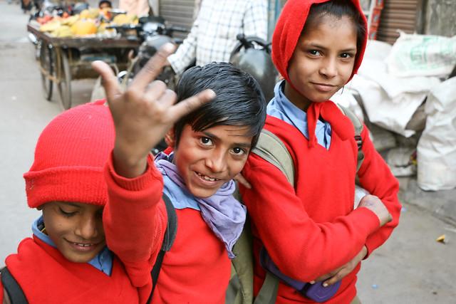 School girls in Jodhpur, India ジョードプルの元気な子どもたち