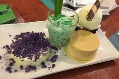 Max's - Dessert plate