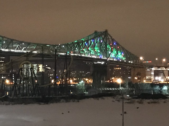 Mise en lumière interactive du pont Jacques-Cartier / Interactive illumination of the Jacques Cartier Bridge