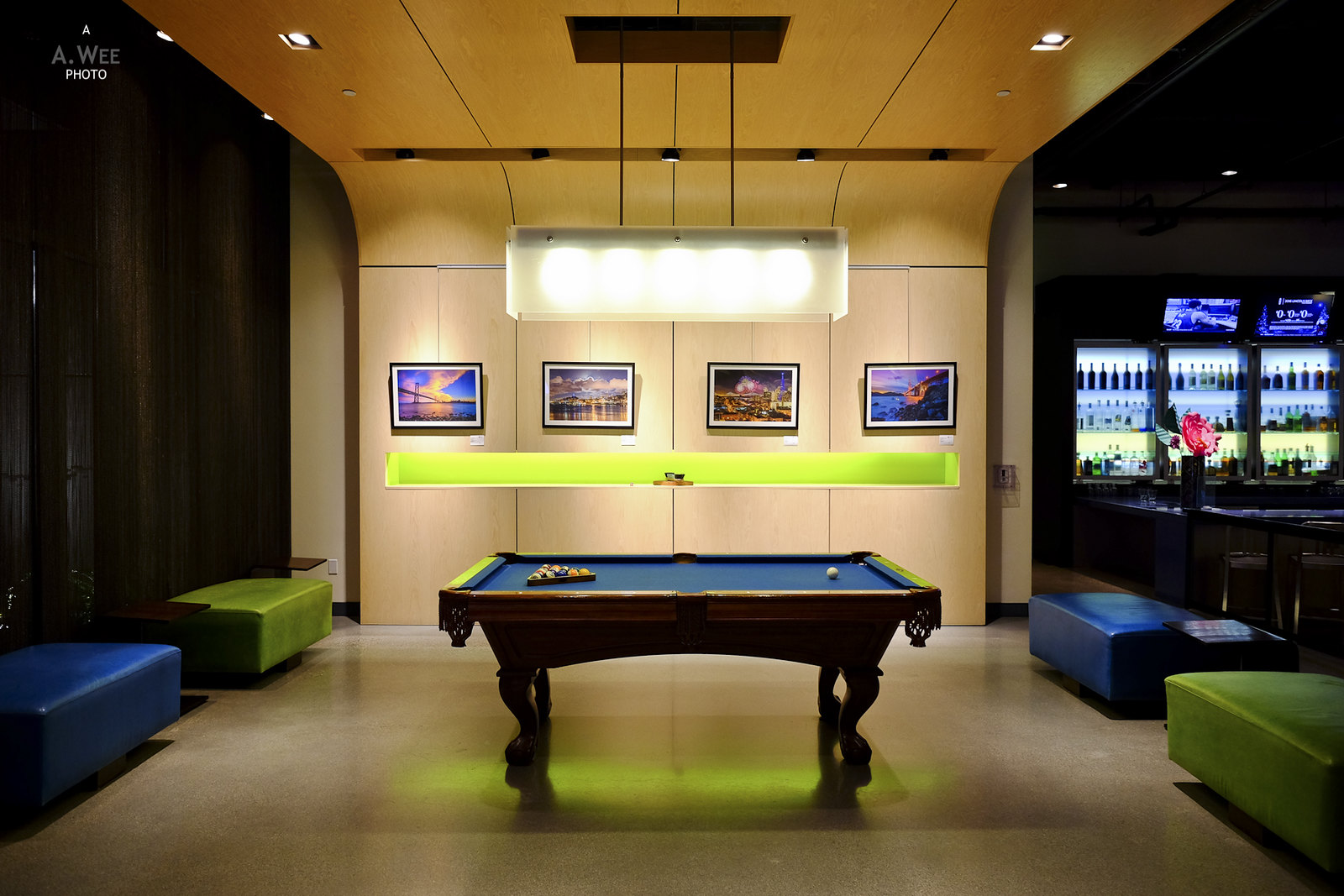 Billiard lounge