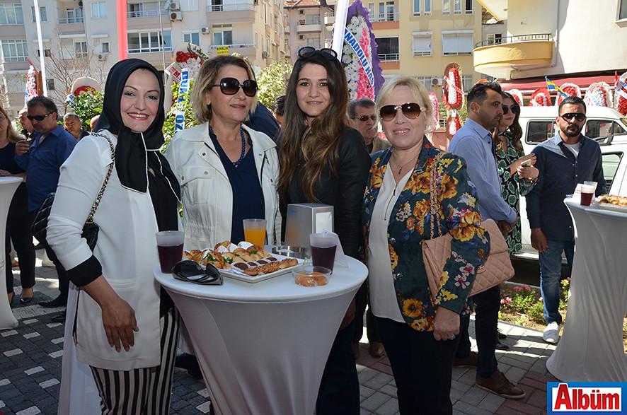 Rukiye Okşar, Zahide Bekar, Damla Bekar, Emine Gülten