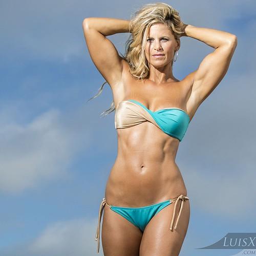 Photoshoot with Fitness Model Allison Diaz (@_allisond_) a
