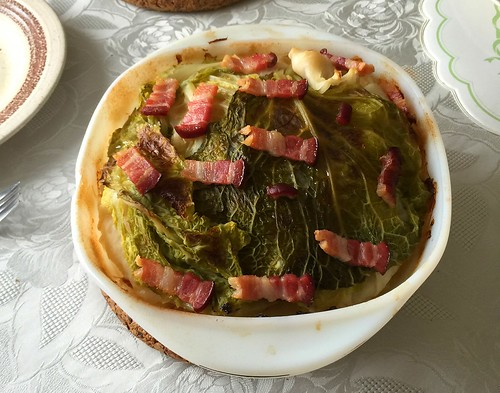 Stuffed Cabbage with bacon - finished baking / Gefülltes Kraut mit Speck - Fertig gebacken | by JaBB