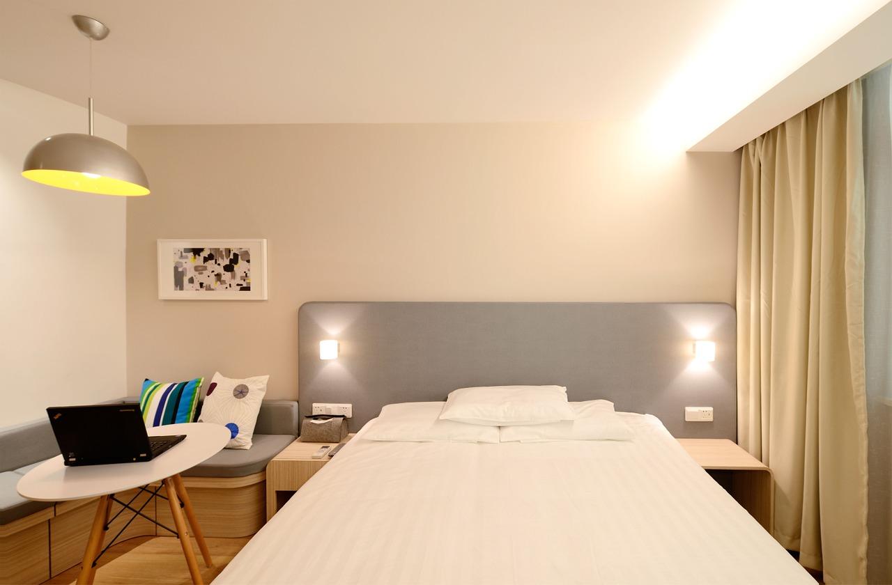 hotel-1330847_1280