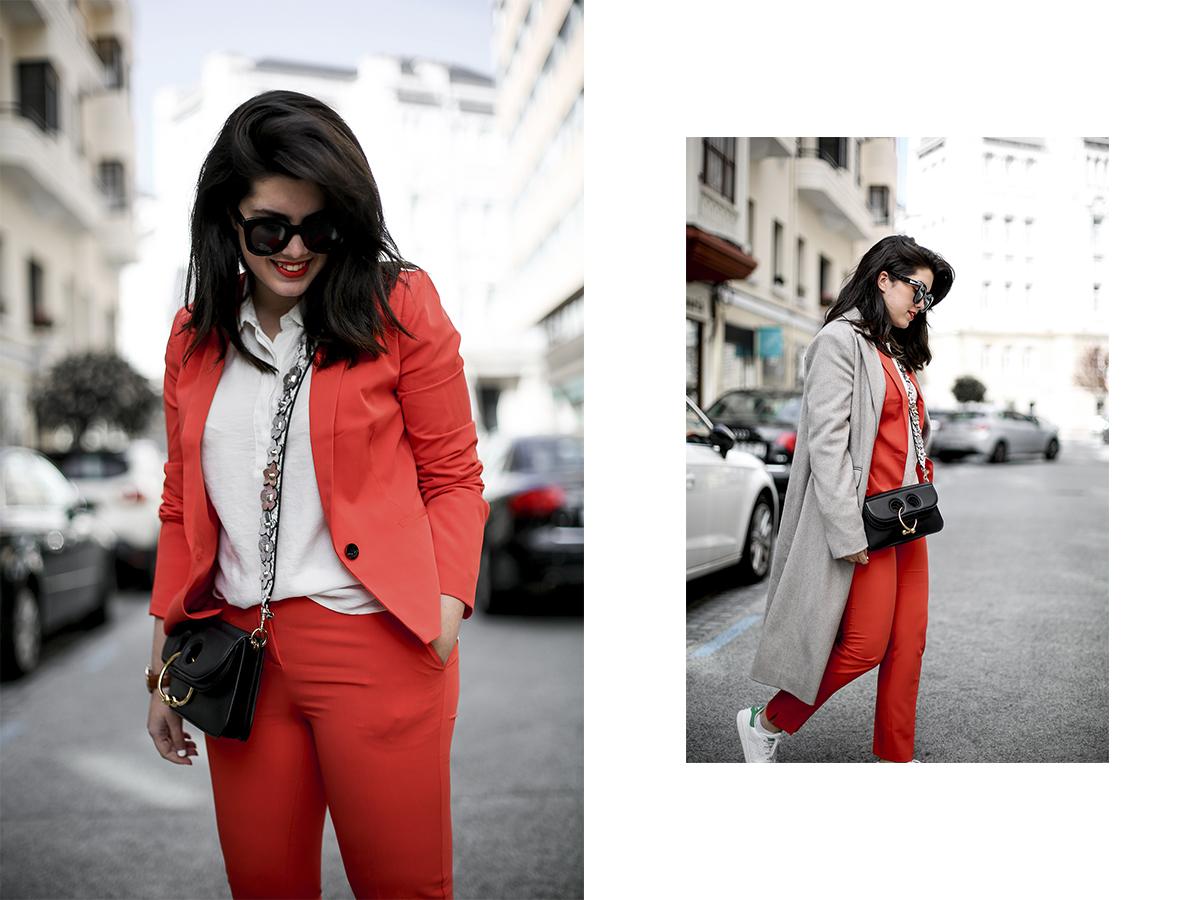 traje-rojo-redoute-jw-anderson-pierce-bag-adidas-stan-smith-streetstyle-myblueberrynightsblog14