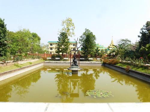 n-lumbini-est-religieuse (6)