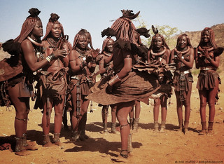 Baile himba | by _pak_
