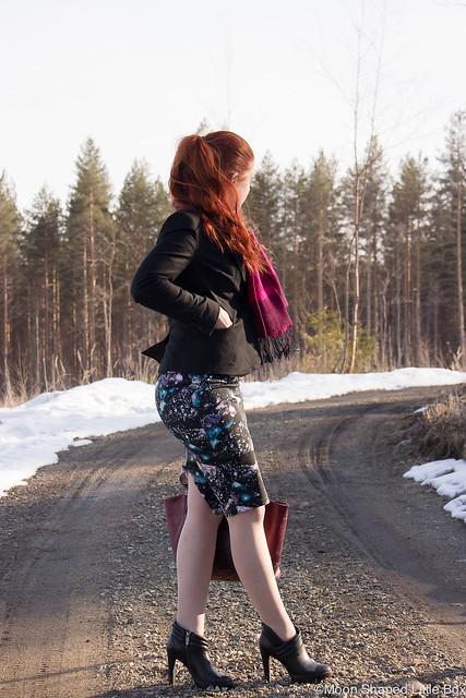 OutfitOOTDMyStyleFinnishBlogFashionStylesSpringLooks-6 työpukeutuminen muoti mitä ottaa huomioon työpukeutumisessa muoti tyyli blogi lifestyle pukuompelija yrittäjä fashion worklooks esprit jakku marks spencer hame Rokita laukku