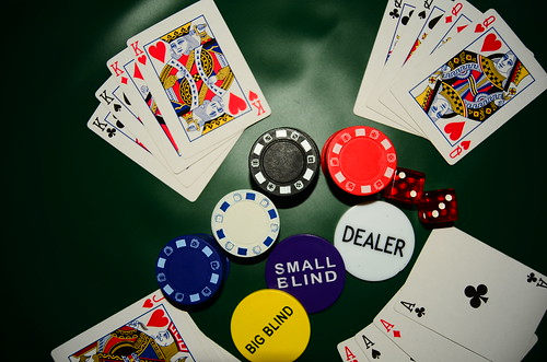 How to riffle poker chips