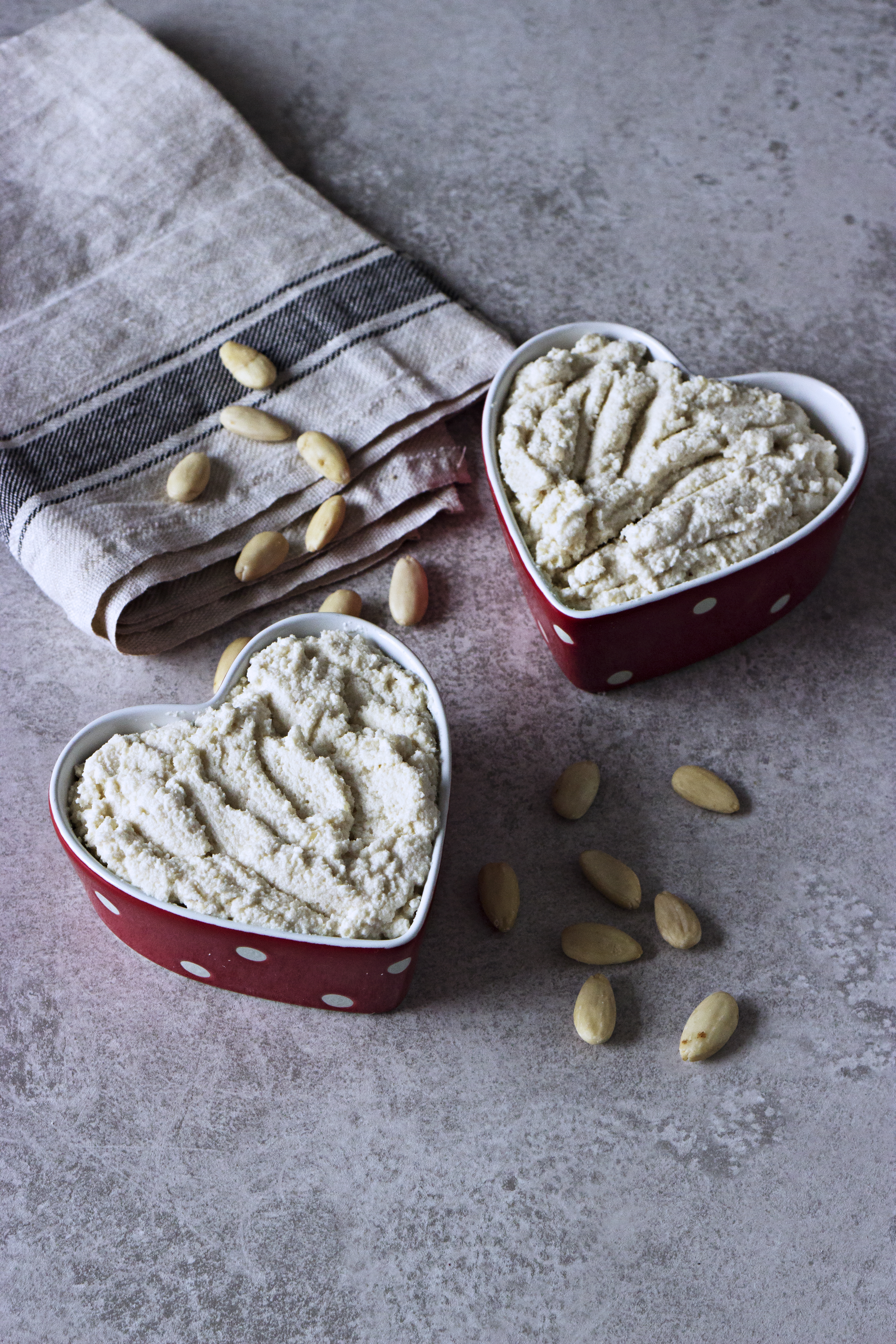 Almond Cream Cheese and Squash Jam / Queijo Creme de Amêndoa e Doce de Abóbora Chila