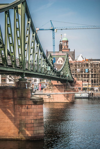 Bridge on the Main River