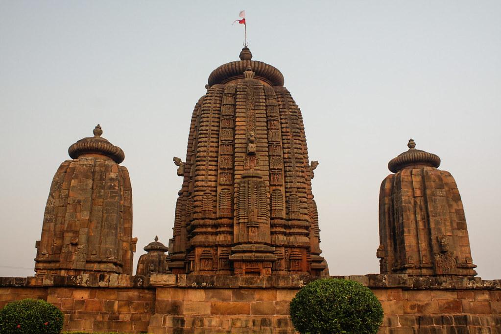 Temple glimpses-2-west side