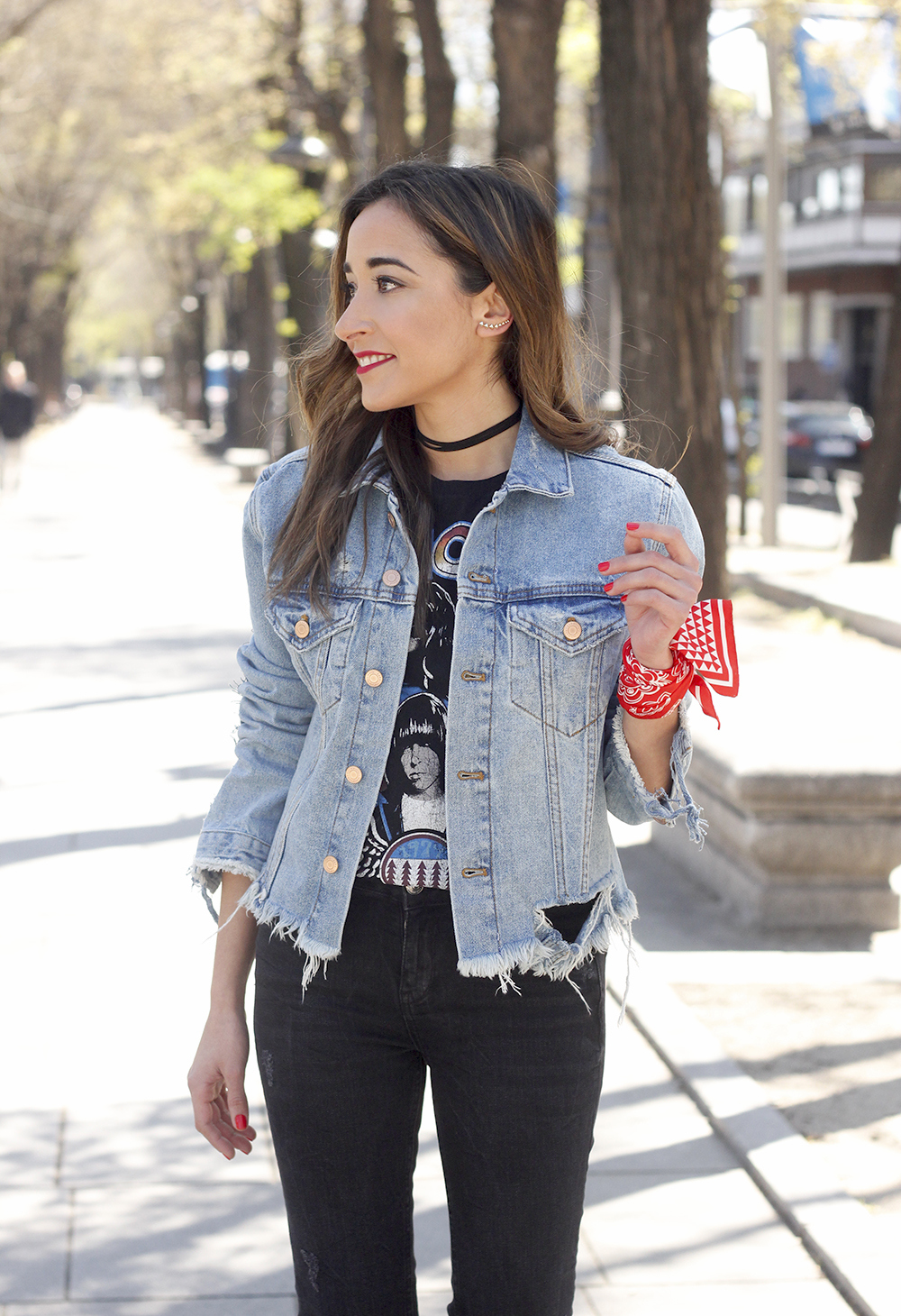 Ripped denim jacket black jeans ramones t-shirt heels style outfit fashion13