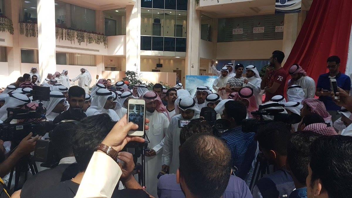 اعتصام الماء والكهرباء الكويت  (8)