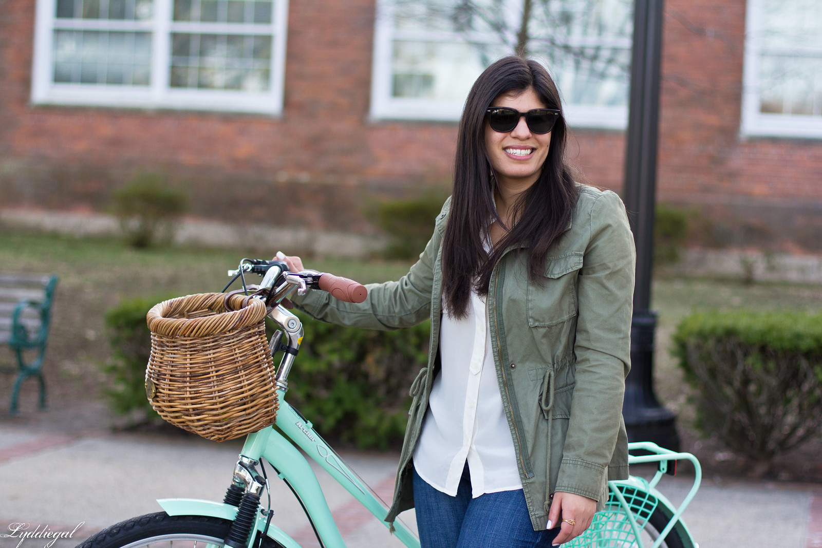 bike riding outfit, white shirt, green field jacket, white converse-8.jpg
