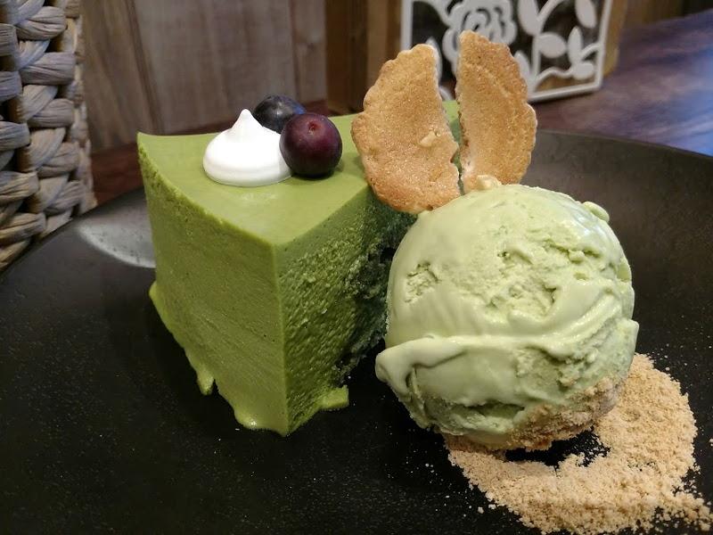 matcha-cake-ice-cream-taken-with-moto-z-droid-8