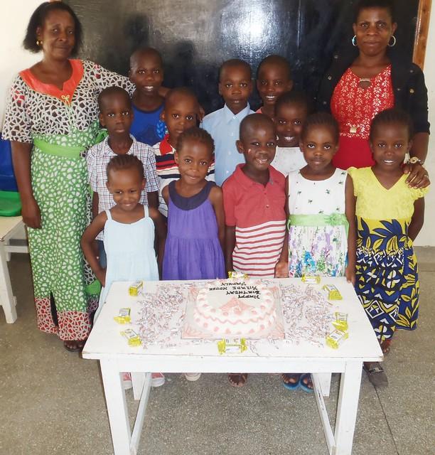 Mama Tuta, Auntie Elvina & the 11 children from Kilroe House