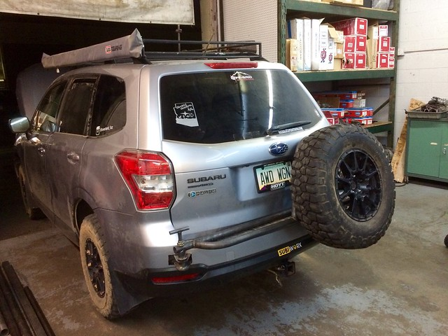 14 18 Swing Out Tire Carrier For Sj Foresters Subaru
