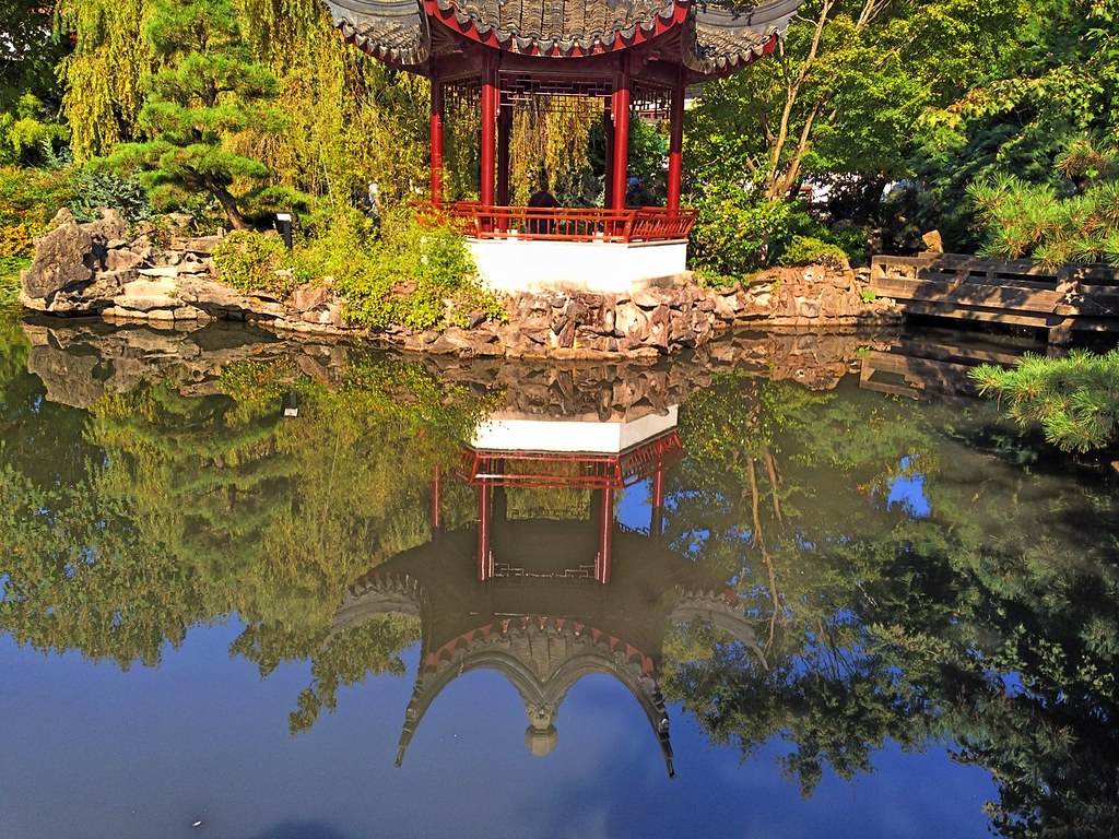 Sun Yat Sen Gardens in Vancouver\'s Chinatown | A place for c… | Flickr
