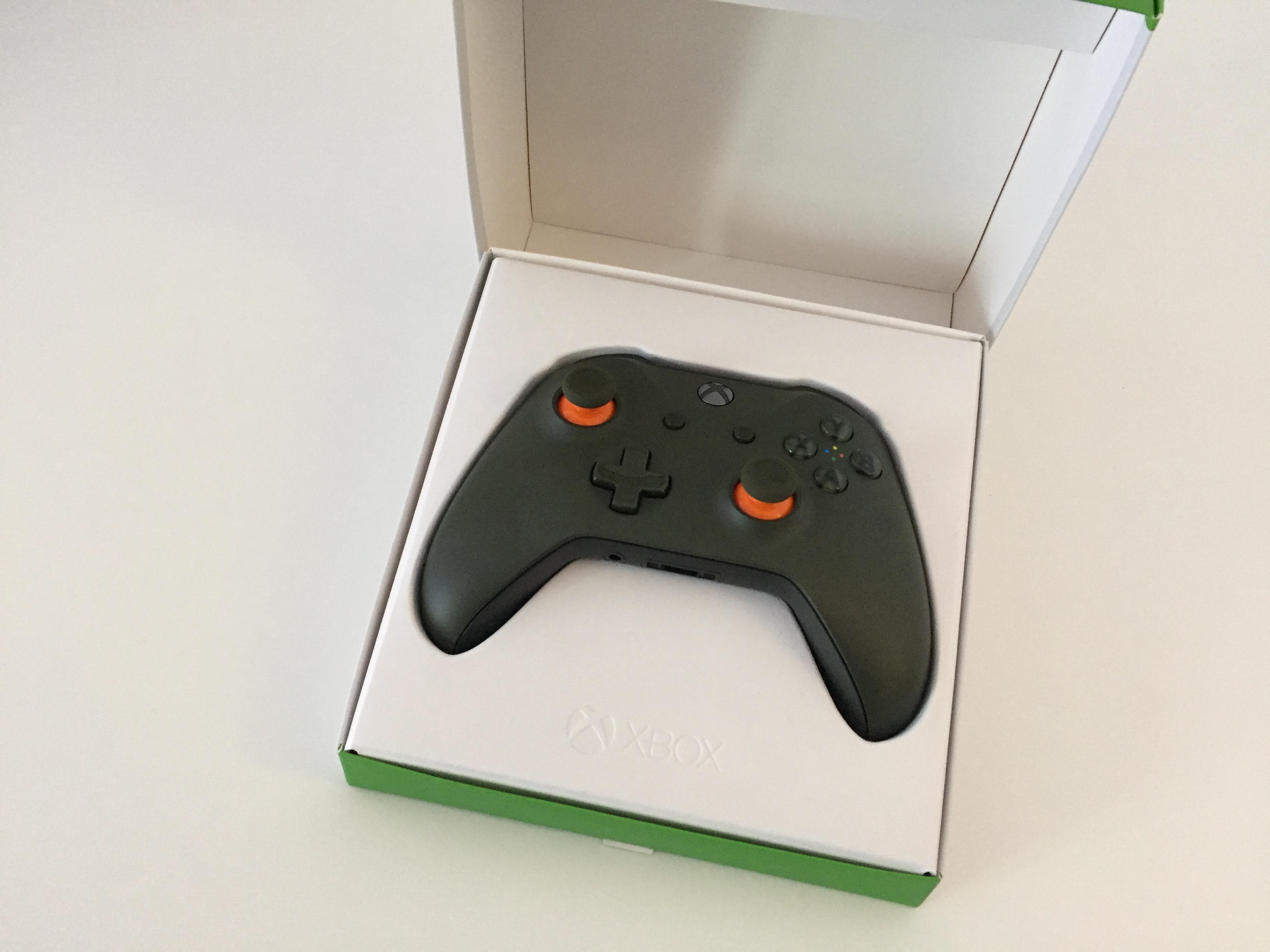 20170216 Manette Xbox One S vert Kaki 00002