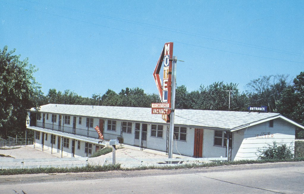 Motel 44 - Gray Summit, Missouri