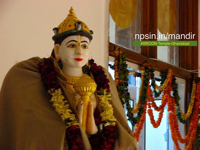 Shri Garun Dev ride with of Lord Shri Vishnu decorated with golden gada.
