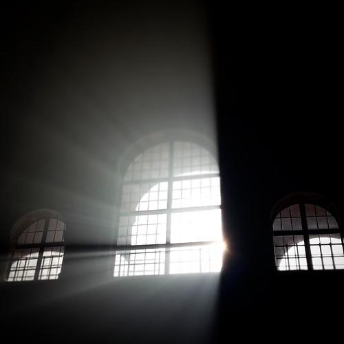 Sant'Ambrogio. Luce