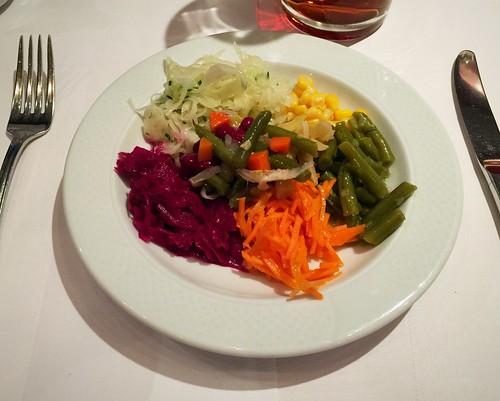 Salad dish / Salatteller - Hotel Berghof