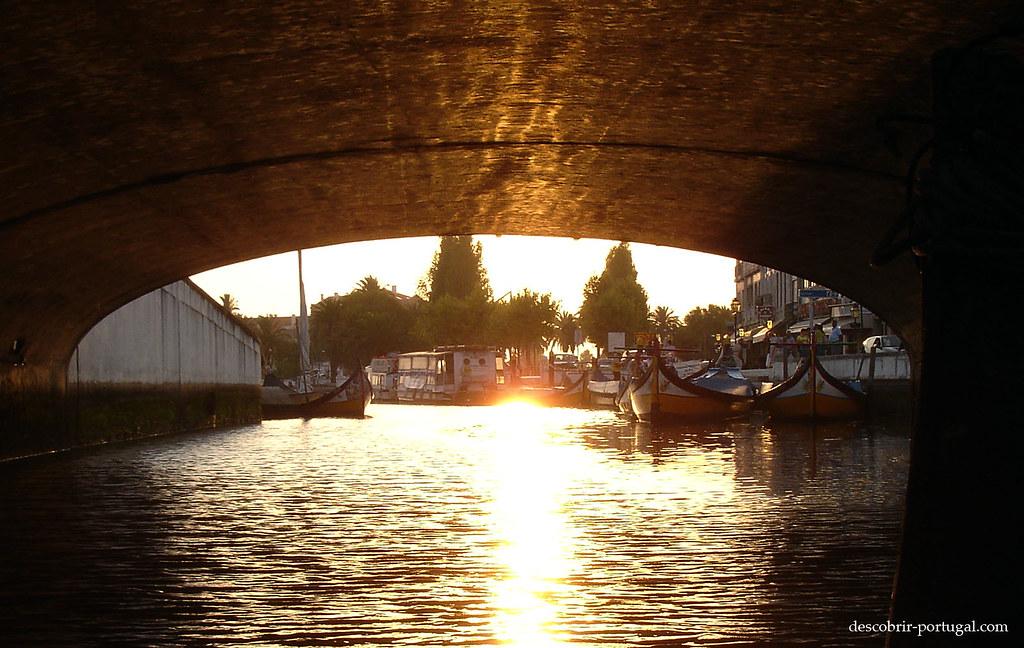 Au bout du tunel, les bateaux
